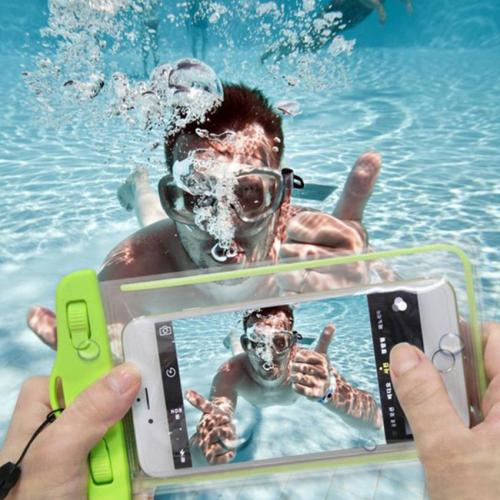 waterproof-mobile-bag-2