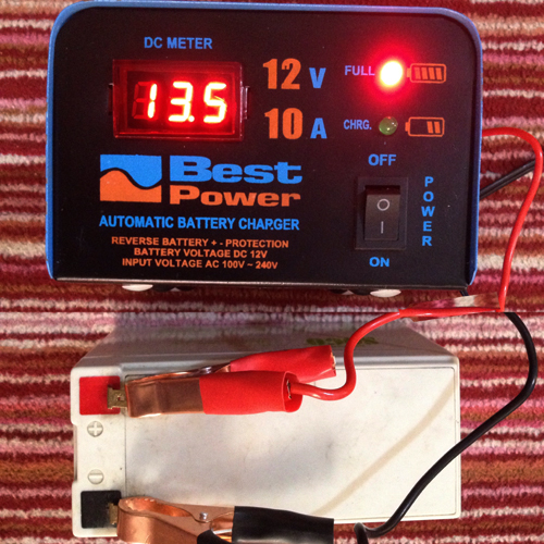 Fully Automatic 12 Volt 10 Ampere Digital Battery Charger 2